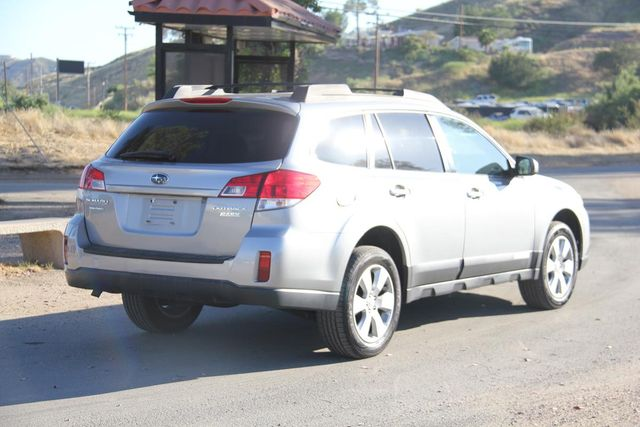 2011 Subaru Outback 2.5i Prem AWP Santa Clarita, CA 6