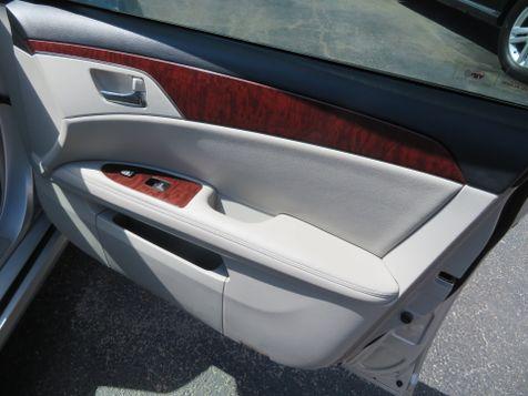 2011 Toyota Avalon  | Abilene, Texas | Freedom Motors  in Abilene, Texas