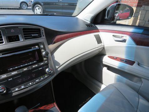 2011 Toyota Avalon    Abilene, Texas   Freedom Motors  in Abilene, Texas