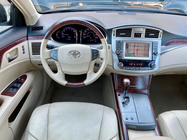 2011 Toyota AVALON LIMITED 42K MLS AUTOMATIC SERVICE RECORDS NEW TIRES in Van Nuys, CA 91406