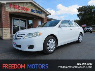 2011 Toyota Camry LE | Abilene, Texas | Freedom Motors  in Abilene,Tx Texas