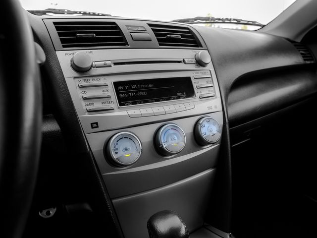 2011 Toyota Camry SE Burbank, CA 20