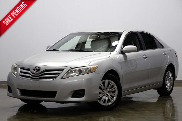 2011 Toyota Camry LE in Dallas Texas, 75220