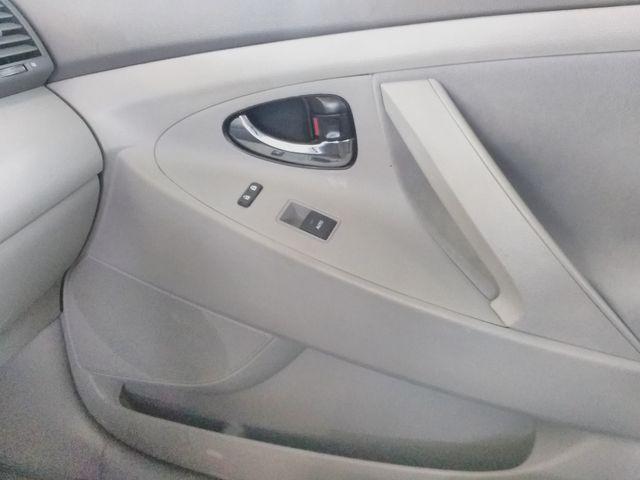 2011 Toyota Camry LE Houston, Mississippi 16