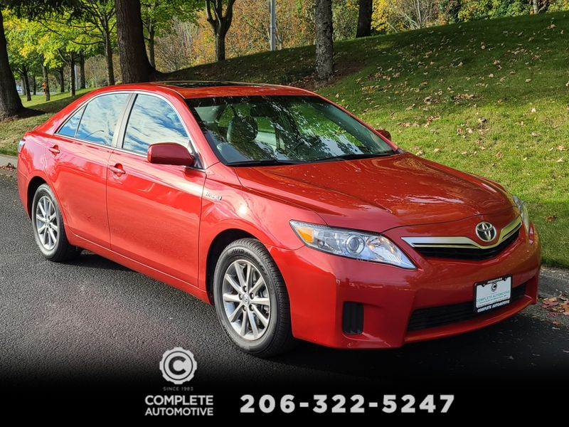 2011 Toyota Camry Hybrid  Heated Leather Navigation Rear Camera Moon Roof  city Washington  Complete Automotive  in Seattle, Washington