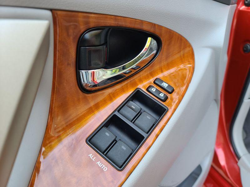 2011 Toyota Camry Hybrid  Heated Leather Navigation Rear Camera Moon Roof  city Washington  Complete Automotive  in Seattle, Washington