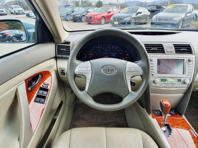 2011 Toyota Camry XLE w/Navigation in Louisville, TN 37777