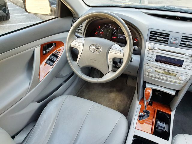 "2011 Toyota Camry XLE Leather/Sunroof Heated Seats/16"" Alloys in Louisville, TN 37777"
