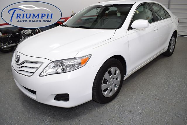 2011 Toyota Camry LE in Memphis, TN 38128
