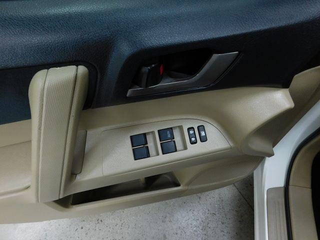 2011 Toyota Highlander Base in Airport Motor Mile ( Metro Knoxville ), TN 37777