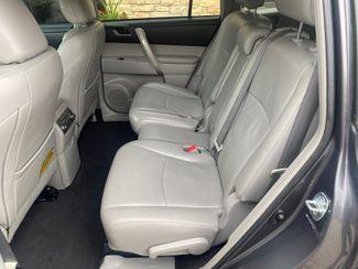2011 Toyota Highlander SE Farmington, MN 6