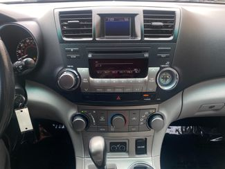 2011 Toyota Highlander SE Farmington, MN 7