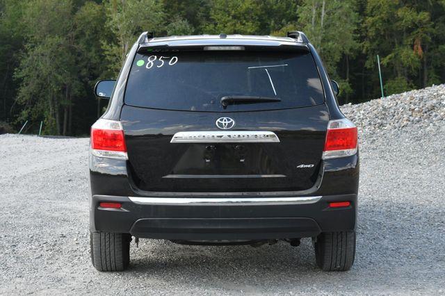 2011 Toyota Highlander SE Naugatuck, Connecticut 3