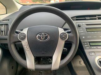 2011 Toyota Prius III Maple Grove, Minnesota 34