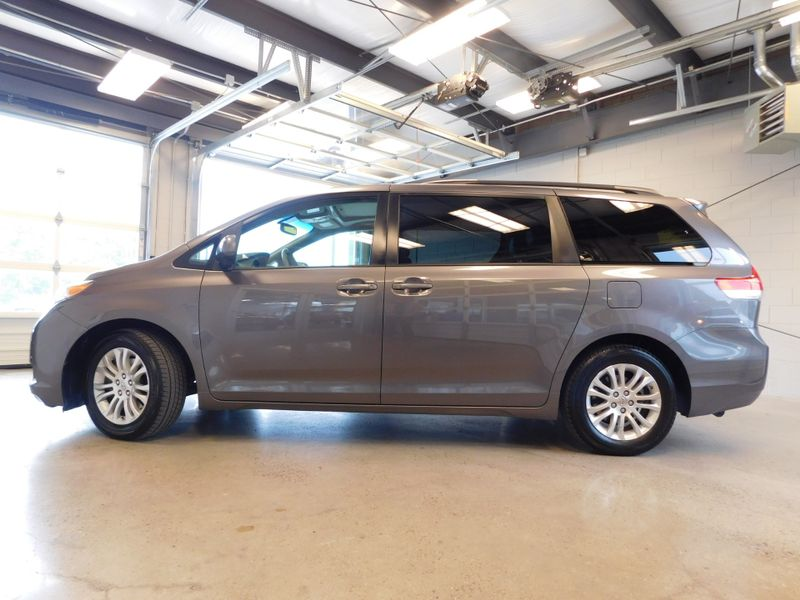 2011 Toyota Sienna XLE  city TN  Doug Justus Auto Center Inc  in Airport Motor Mile ( Metro Knoxville ), TN