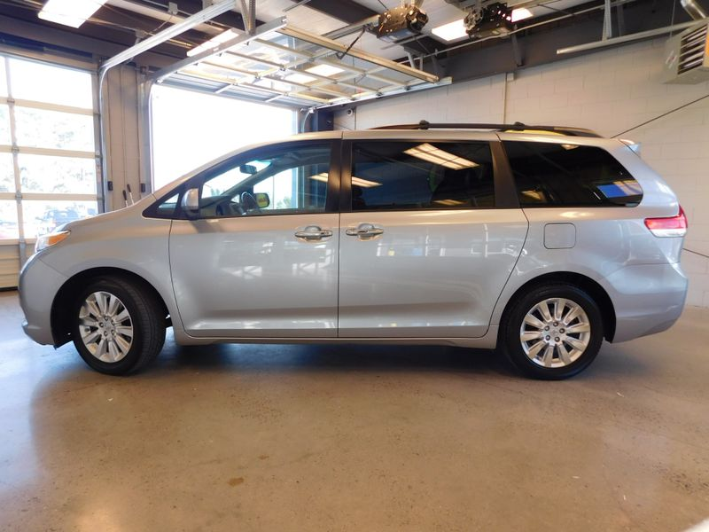 2011 Toyota Sienna XLE  city TN  Doug Justus Auto Center Inc  in Airport Motor Mile ( Metro Knoxville ), TN