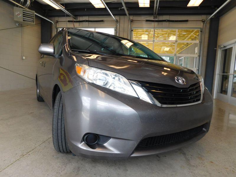 2011 Toyota Sienna LE  city TN  Doug Justus Auto Center Inc  in Airport Motor Mile ( Metro Knoxville ), TN
