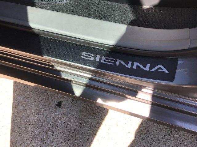 2011 Toyota Sienna SE in Carrollton, TX 75006