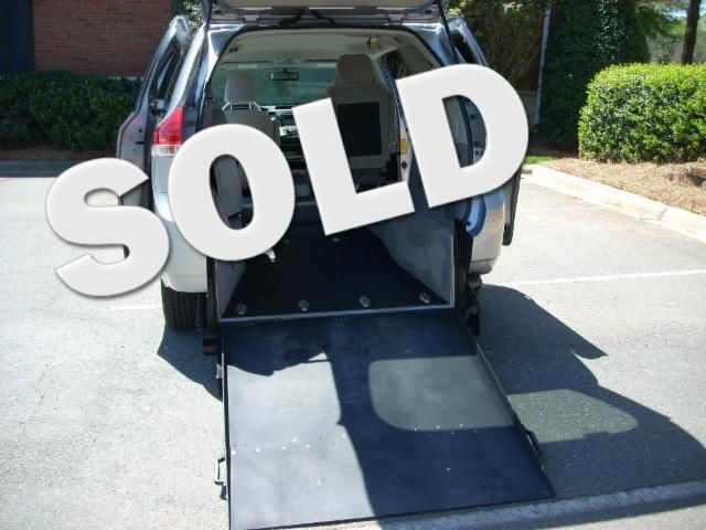 2011 Toyota Sienna Handicap wheelchair accessible rear enrty
