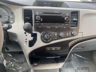 2011 Toyota Sienna LE Farmington, MN 8