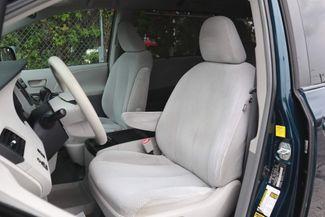 2011 Toyota Sienna LE Hollywood, Florida 23
