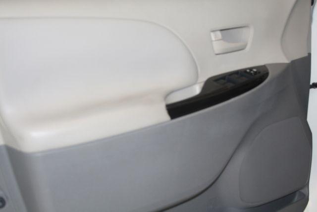 2011 Toyota Sienna Houston, Texas 10