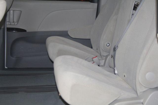 2011 Toyota Sienna Houston, Texas 11