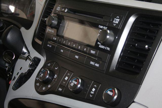2011 Toyota Sienna Houston, Texas 15