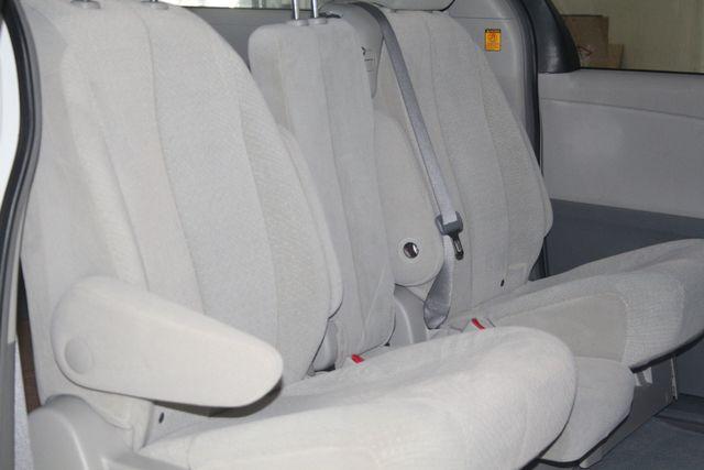2011 Toyota Sienna Houston, Texas 17