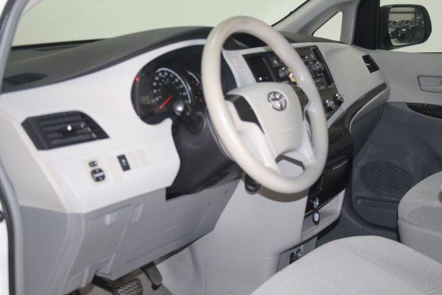 2011 Toyota Sienna Houston, Texas 8