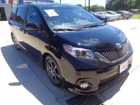 2011 Toyota Sienna SE in Houston