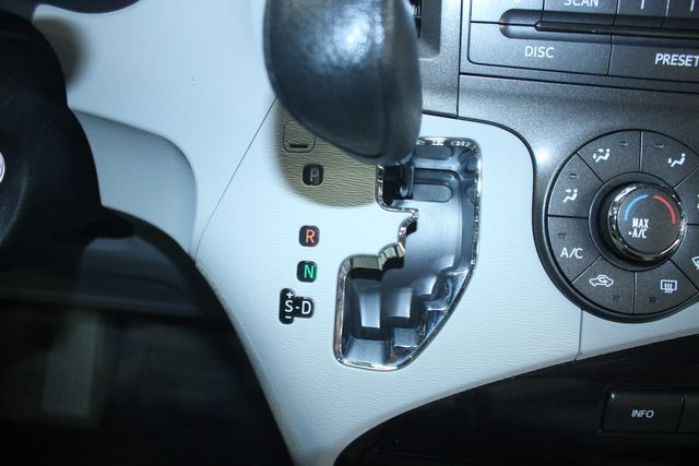 2011 Toyota Sienna LE AWD Kensington, Maryland 71