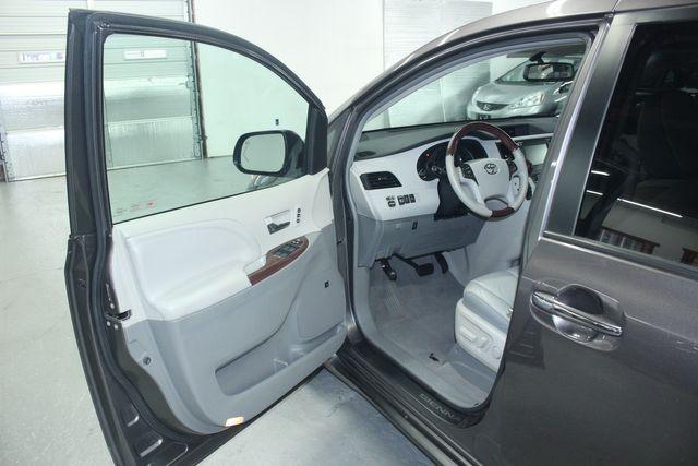 2011 Toyota Sienna Limited Premium Kensington, Maryland 14