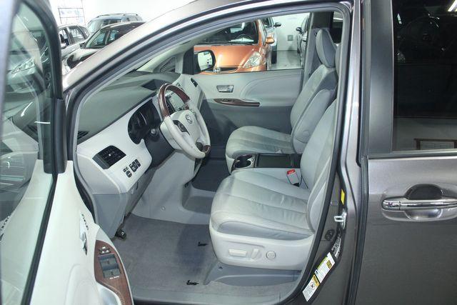 2011 Toyota Sienna Limited Premium Kensington, Maryland 18
