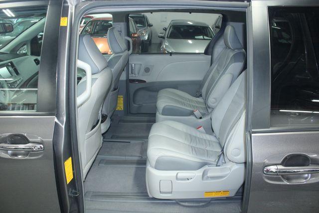 2011 Toyota Sienna Limited Premium Kensington, Maryland 25