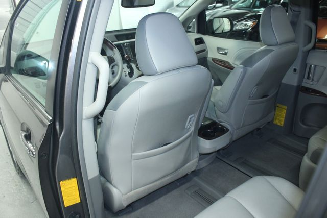 2011 Toyota Sienna Limited Premium Kensington, Maryland 32
