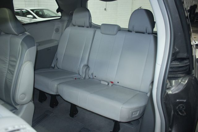 2011 Toyota Sienna Limited Premium Kensington, Maryland 35