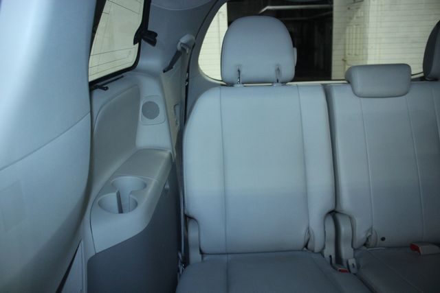 2011 Toyota Sienna Limited Premium Kensington, Maryland 43
