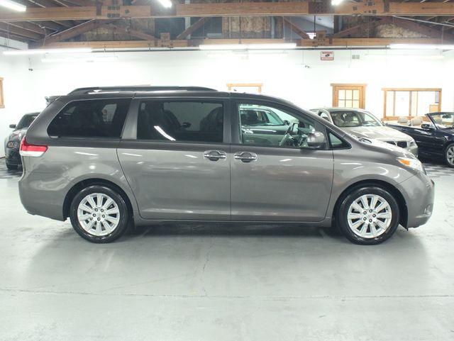 2011 Toyota Sienna Limited Premium Kensington, Maryland 5