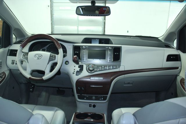 2011 Toyota Sienna Limited Premium Kensington, Maryland 92