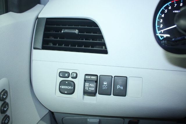 2011 Toyota Sienna Limited Premium Kensington, Maryland 100