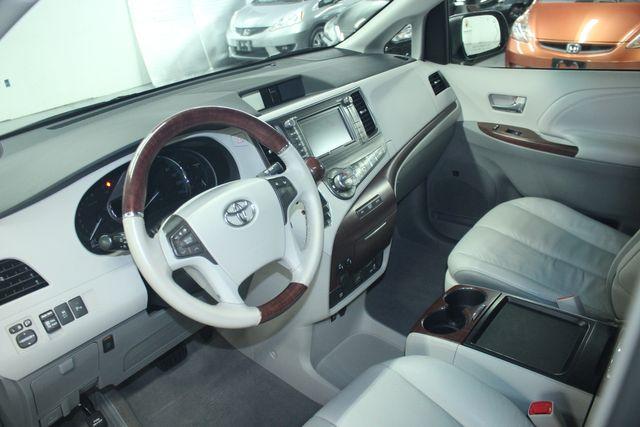 2011 Toyota Sienna Limited Premium Kensington, Maryland 103