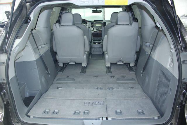 2011 Toyota Sienna Limited Premium Kensington, Maryland 113