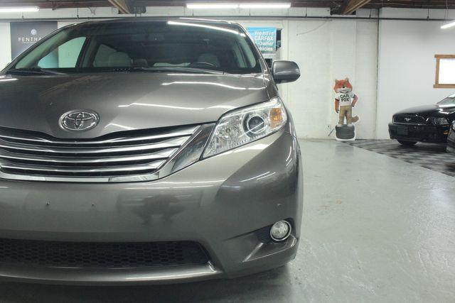 2011 Toyota Sienna Limited Premium Kensington, Maryland 127