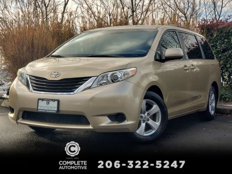 2011 Toyota Sienna LE 3.5L V6 Engine 8 Passenger Power Doors Rear Camera in Seattle