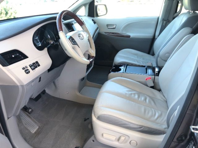 2011 Toyota Sienna Limited AWD 7-Pass V6 LINDON, UT 14
