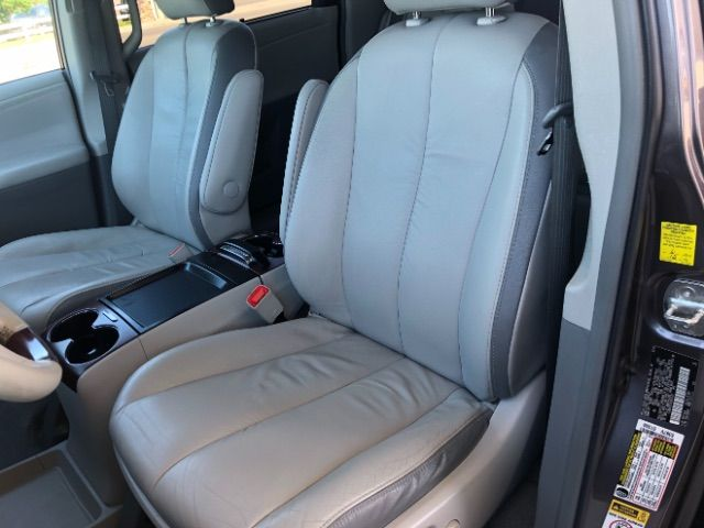 2011 Toyota Sienna Limited AWD 7-Pass V6 LINDON, UT 16