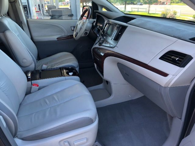 2011 Toyota Sienna Limited AWD 7-Pass V6 LINDON, UT 24