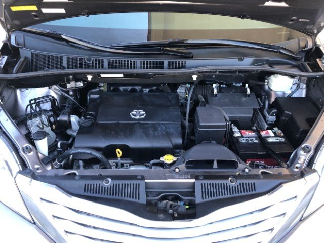 2011 Toyota Sienna Limited AWD 7-Pass V6 LINDON, UT 40