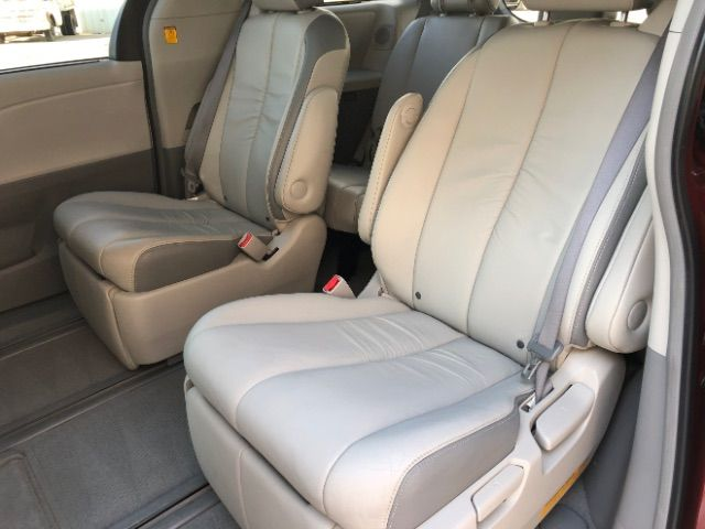 2011 Toyota Sienna Limited AWD 7-Pass V6 LINDON, UT 16